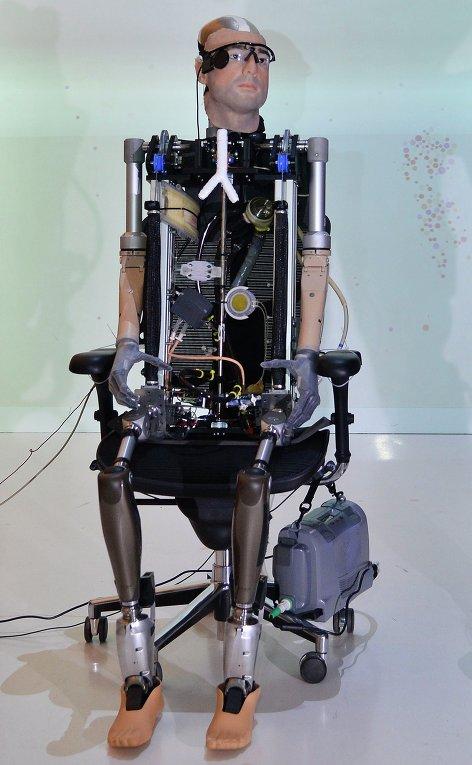 Первый в мире бионический робот, состоящий из искусственных органов человеческого тела